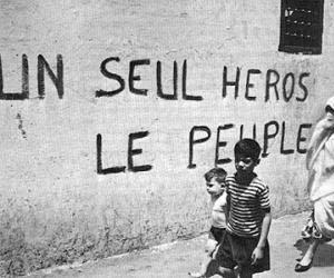 Un Seul Heros, Le Peuple!